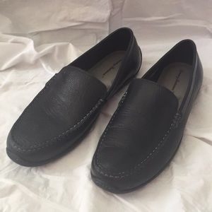 Beautiful men's Tommy Bahama slip on loafers